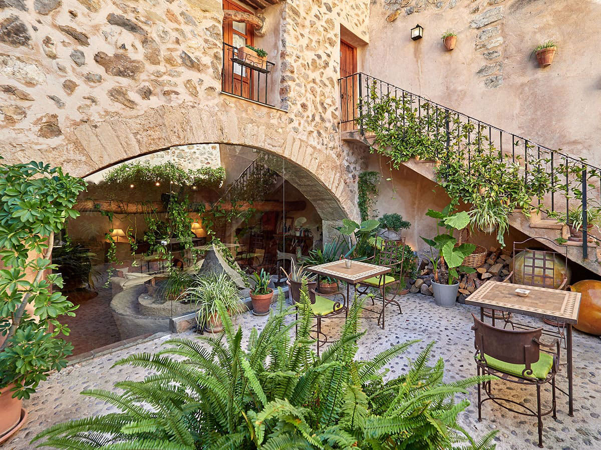 Patio interior del hotel Nord